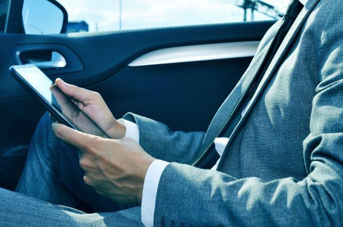 Artikel WLAN im Auto – kabelloses Internet während der Fahrt